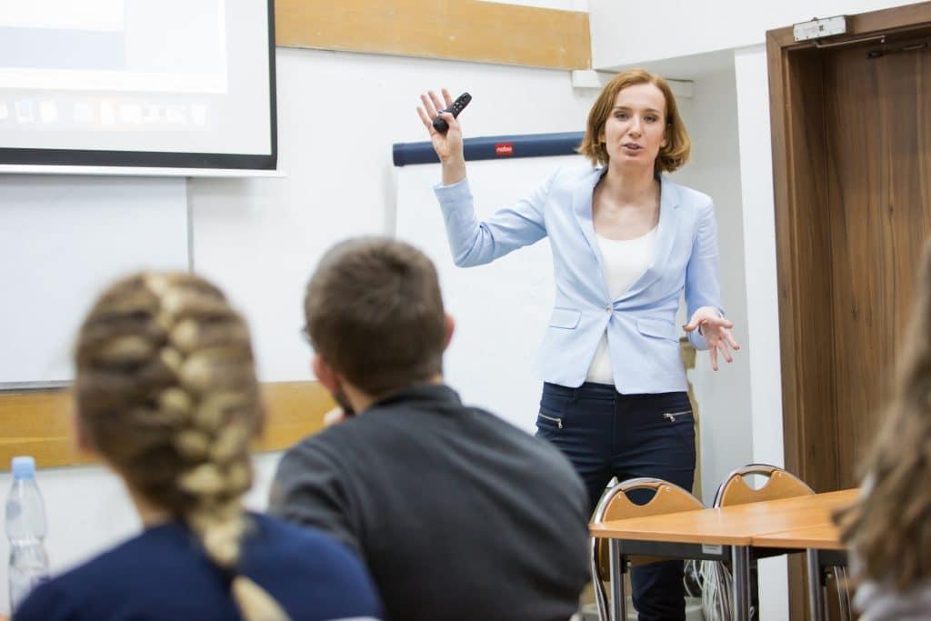 Szkolenie z wystąpień publicznych Anna Pronczuk-Omiotek Trener, warsztaty na Wydział Ekonomiczny UMCS
