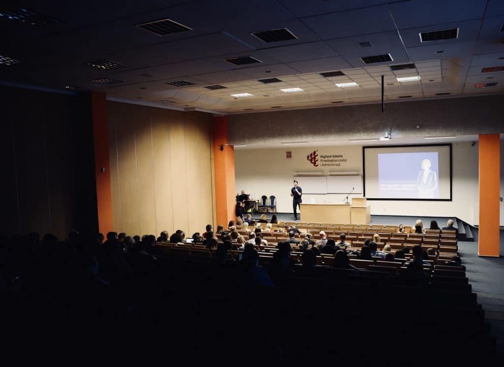 prezentacja i wystąpienie publiczne